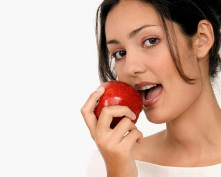 473059 Comer frutas pode diminuir problemas decorrentes da diabetes Comer frutas pode diminuir problemas decorrentes da diabetes