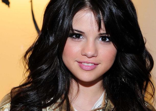 473177 Linha de Roupas Selena Gomez Modelos Linha de Roupas Selena Gomez – Modelos