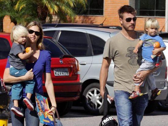 474800 Famosos que tem filhos g%C3%AAmeos 1 Famosos que têm filhos gêmeos