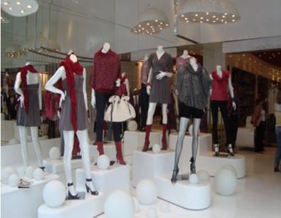 475315 Decorar Vitrine de Loja Moda Feminina Curso vitrinista Senac SP 2012
