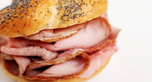 475800 alimentos caloricos 05g Dormir pouco aumenta desejo por alimentos calóricas