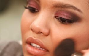 Maquiagem para pele negra: dicas, cores