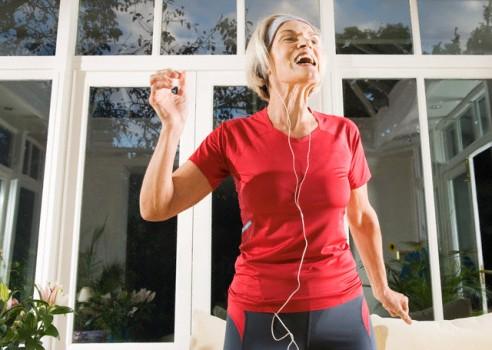 476763 Exercícios físicos podem diminuir risco de câncer de mama Exercícios físicos podem diminuir risco de câncer de mama