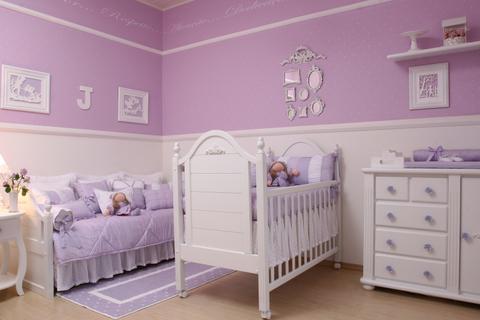 de quarto de bebe feminino 150x150 Decoração de Quarto de Bebê