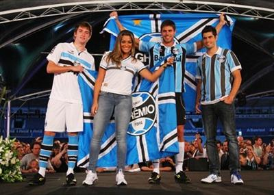 477125 Uniforme do Grêmio 2012 20131 Uniforme do Grêmio 2012 2013