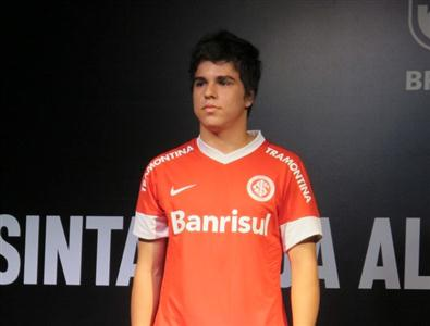 477191 Uniforme do internacional 2012 20131 Uniforme do Internacional 2012 2013