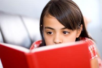 478538 A criança com dificuldade em aprender a matéria tende a relacionar o professor a isso Criança que não gosta do professor: o que fazer