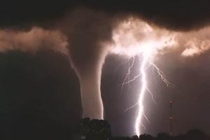 480750 Tornados e furac%C3%B5es fotos 20 Tornados e furacões: fotos