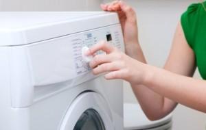 Como lavar roupas coloridas