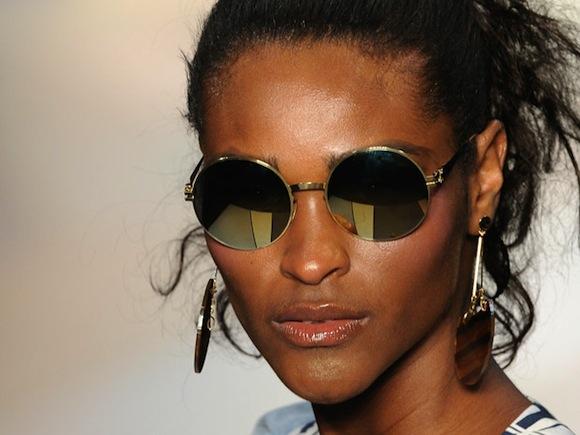 Óculos espelhado: como usar