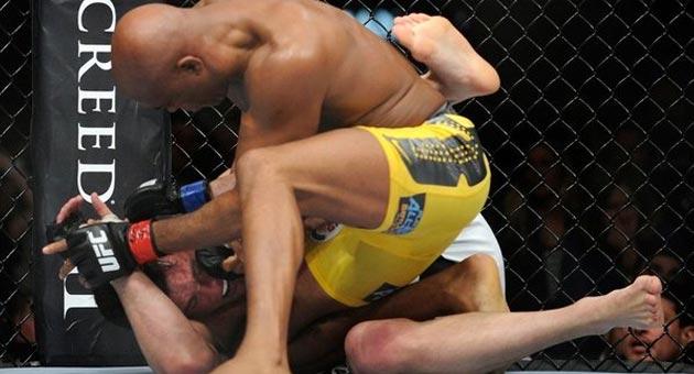 481999 spiderxsonnen Anderson Silva vence Chael Sonnen e mantém cinturão no UFC 148
