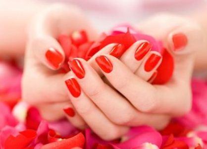 482119 Escolha esmaltes de qualidade e evite usar sempre as mesmas cores Como usar esmaltes sem prejudicar as unhas