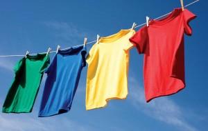Como lavar roupas coloridas: dicas