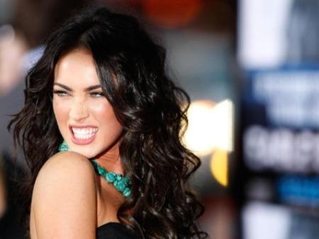 483555 Megan Fox não utiliza talheres de restaurantes. Famosos que possuem TOC