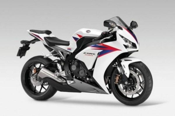 484525 O novo desenho traz benefícios a aerodinâmica. Nova CBR 1000 RR, preços, fotos
