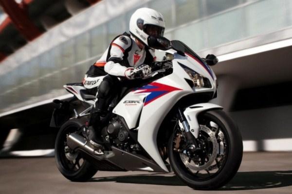 484525 Os amantes das motos irão se apaixonar Nova CBR 1000 RR, preços, fotos