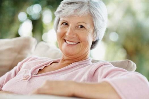 484740 Alimentação correta é grande aliada contra sintomas da menopausa Alimentação correta é grande aliada contra sintomas da menopausa