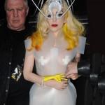 484937 Roupas esquisitas da Lady Gaga 02 150x150 Roupas esquisitas da Lady Gaga: fotos