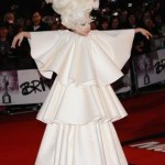484937 Roupas esquisitas da Lady Gaga 17 150x150 Roupas esquisitas da Lady Gaga: fotos