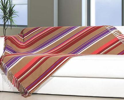 487033 Mantas para decorar sofás dicas fotos 4 Mantas para decorar sofás: dicas, fotos
