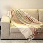 487033 Mantas para decorar sofás dicas fotos 5 150x150 Mantas para decorar sofás: dicas, fotos