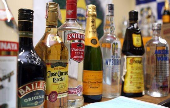 489194 As partes do corpo afetadas pelo consumo de álcool em excesso 2 Álcool em excesso aumenta risco de demência
