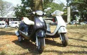 Moto de Nina Novela Avenida Brasil – Scooter LON-V 125
