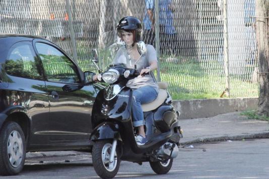 de Nina Novela Avenida Brasil Scooter LON V 125 01 Moto de Nina Novela ...