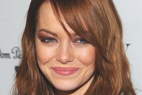 490027 Emma Stone %C3%A9 adepta ao look. Sombra até a sobrancelha: como usar