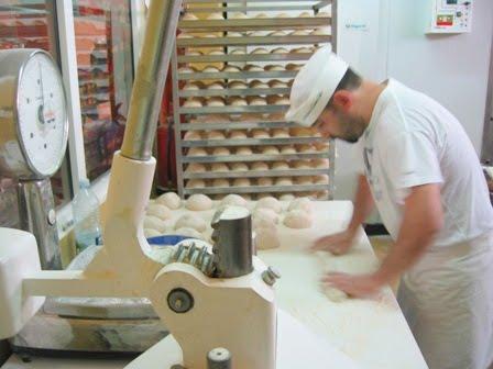 490133 Via Rápida 3 Curso gratuito de Padeiro, confeiteiro e pizzaiolo 2012 – Via rápida