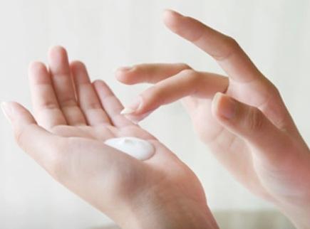 490489 Os hidratantes caseiros s%C3%A3o eficazes contra pele ressecada. Hidratante caseiro contra pele ressacada