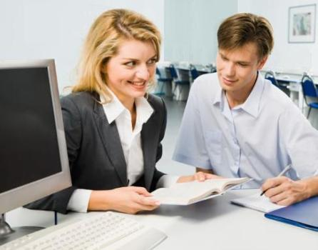490604 O programa Via Rapida oferece diversas %C3%A1reas para a qualifica%C3%A7%C3%A3o profissional. Curso gratuito de programação de torno CNC 2012 – Via Rápida
