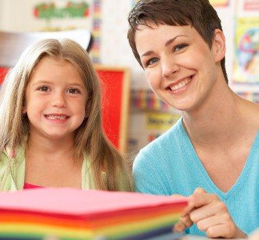 492276 S%C3%A3o varios os motivos que levam os pais a mudar os filhos de escola Mudar de escola no meio do ano: cuidados