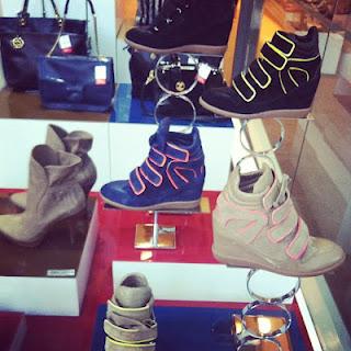 492984 sneakers arezzo Sneakers: preços, onde comprar