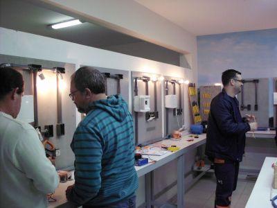 493255 curso gratuito de eletricistas rj 2012 1 Curso gratuito de eletricistas RJ 2012