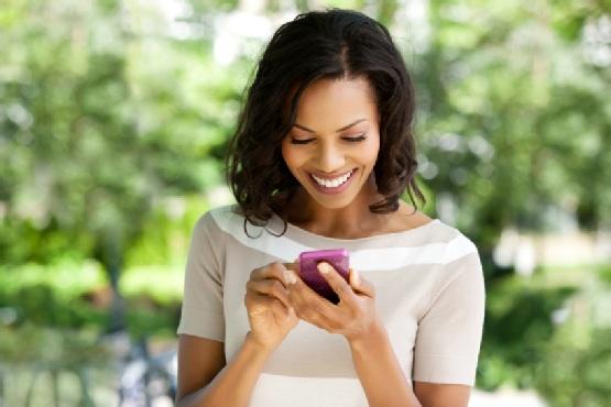 493691 Os smartphones podem ajudar a organizar o casamento. Aplicativos de celular para organizar casamento