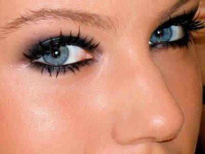 493729 O olhar é muito expressivo e sensual. Sobrancelha de henna, preço, quanto tempo dura