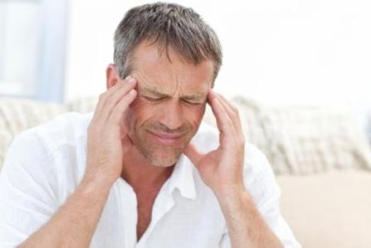 494548 A dor de cabe%C3%A7a %C3%A9 um dos sitnomas mais comuns da popula%C3%A7%C3%A3o. Dor de cabeça: principais causas