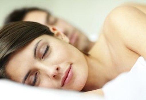 495612 Dormir pouco aumenta ritmo de envelhecimento do cérebro Dormir pouco aumenta ritmo de envelhecimento do cérebro