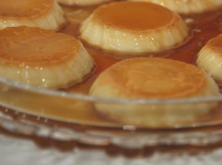 495937 pudim calda laranja1 Pudim com calda de laranja
