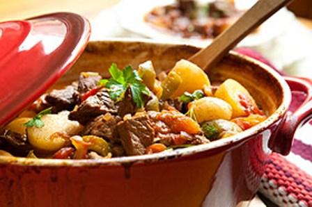 495963 ensopado carne legumes 1 Ensopado de carne com legumes