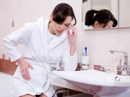 496633 As náuseas são um dos primeiros sintomas. Como saber se estou grávida, sintomas