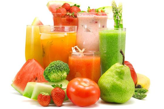 496650 A dieta liquida é considerada saudável pois é feita liquidos a base de frutas verduras legumes e cereais Dieta líquida, cardápio
