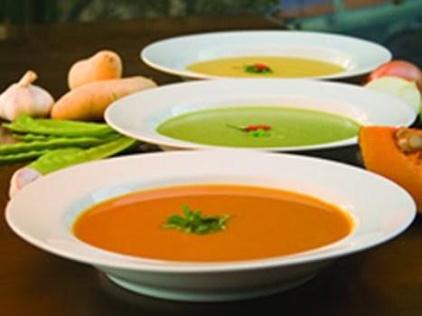 496650 Recomenda se que a dieta liquida seja feita durante cinco dias e seja seguida de alimentação balanceada Dieta líquida, cardápio
