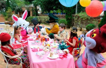496680 alice1 Aniversário de meninas: dicas de decoração, fotos