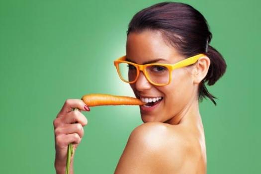 496762 Alimentos de colora%C3%A7%C3%A3o laranja s%C3%A3o ricos em vitaminas em especial a vitamina A. Alimentos que fazem bem para a visão