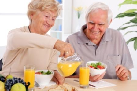 496762 Manter uma alimenta%C3%A7%C3%A3o balanceada %C3%A9 essencial para um organismo saud%C3%A1vel. Alimentos que fazem bem para a visão