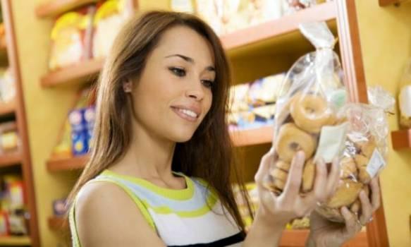 497297 O indiv%C3%ADduo portador de intoler%C3%A2ncia ao gluten deve evitar o cosumo de alimentos que contenha a subst%C3%A2ncia. Intolerância ao glúten: sintomas, como tratar