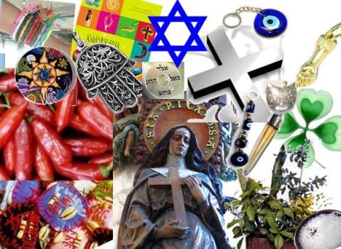 497676 Existem vários amuletos para dar sorte espantar o mau olhado e atrair prosperidade. Amuletos para dar sorte, dicas