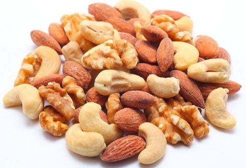 498334 A castanha de cotia atua na prevenção de várias doenças como as cardiovasculares. Castanha de cotia: benefícios, como consumir